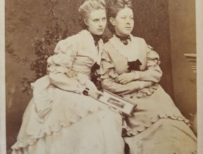 Emmy Lampe and Johanne Mound by Julius Giere.
