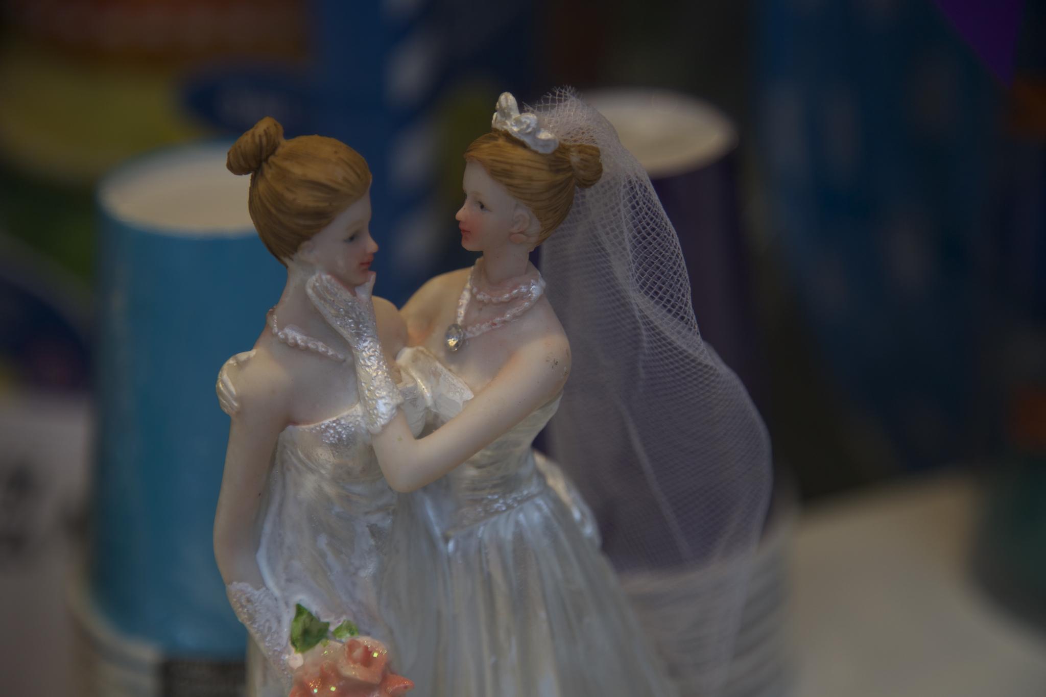 Wedding Cake Figures by Nuno Cardoso.