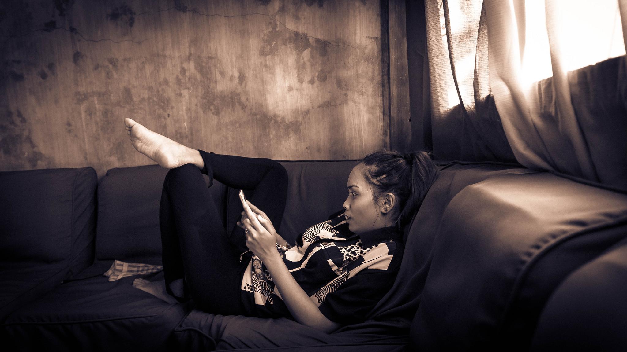 Smartphone by Yacine Petitprez.