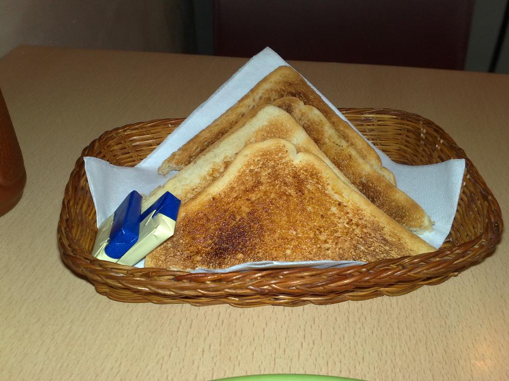 Toast by secretlondon123.