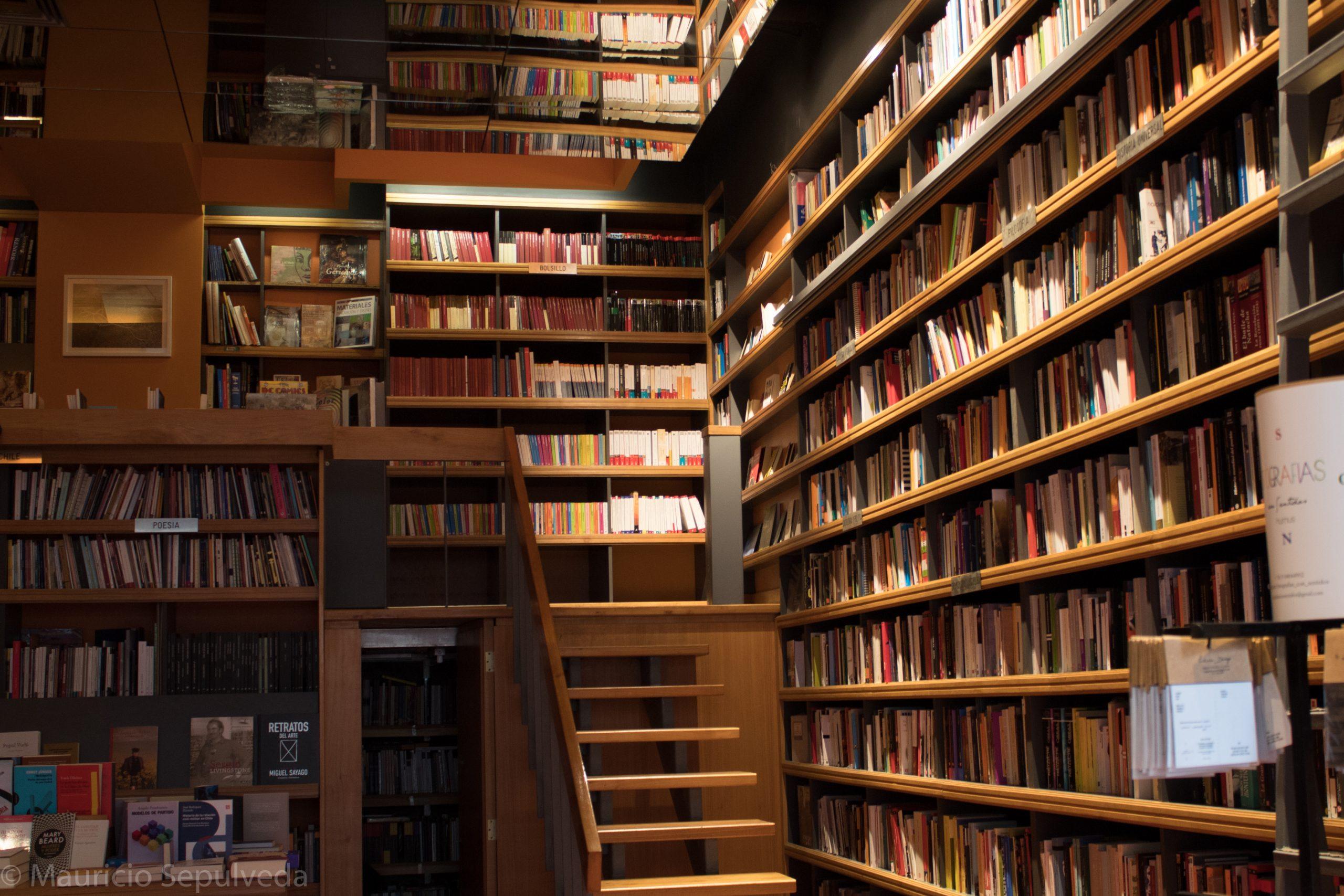 Books n books by Mauricio Sepulveda